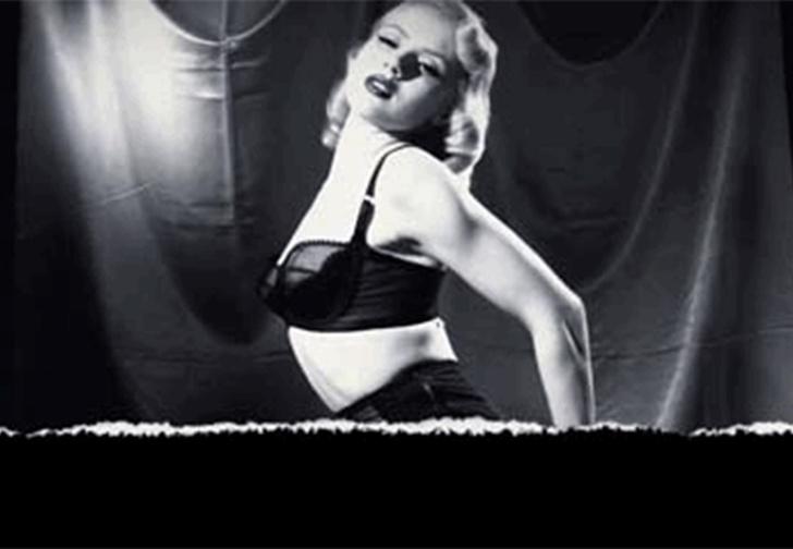 Фото №1 - Пятничная подборка гифок сексуальных девушек в стиле бурлеск