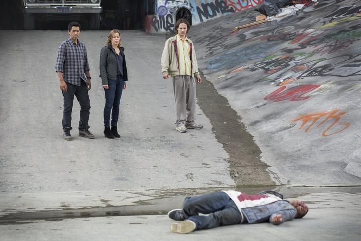Спинофф Ходячих мертвецов - первый эпизод Fear the Walking Dead