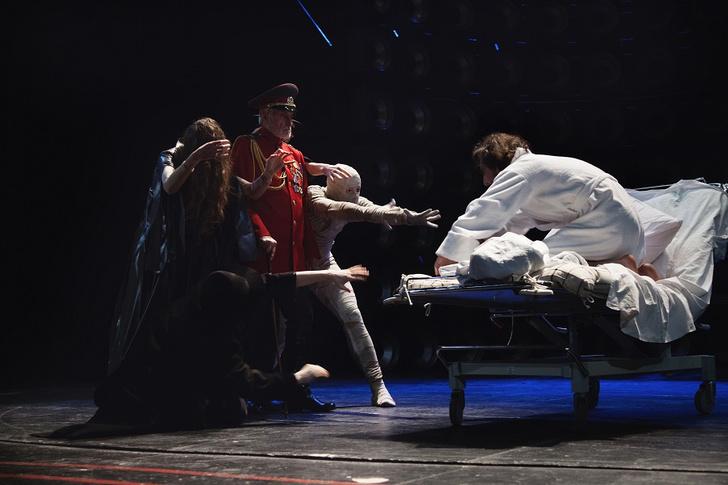 Фото №3 - Лучший из нас: «Донжуан» на сцене Театра Маяковского