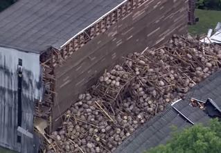 Вот как выглядит разрушенный склад с 9 тысячами бочек виски