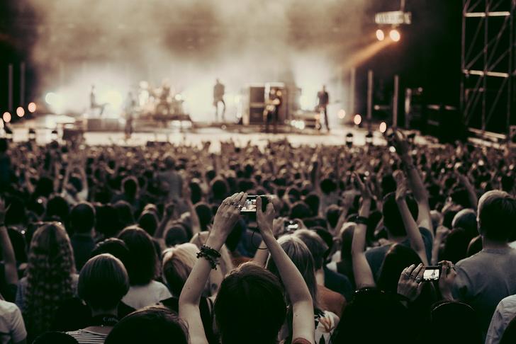 Фото №8 - Лечение роком. Что вытворяют на своих концертах культовые британцы Placebo