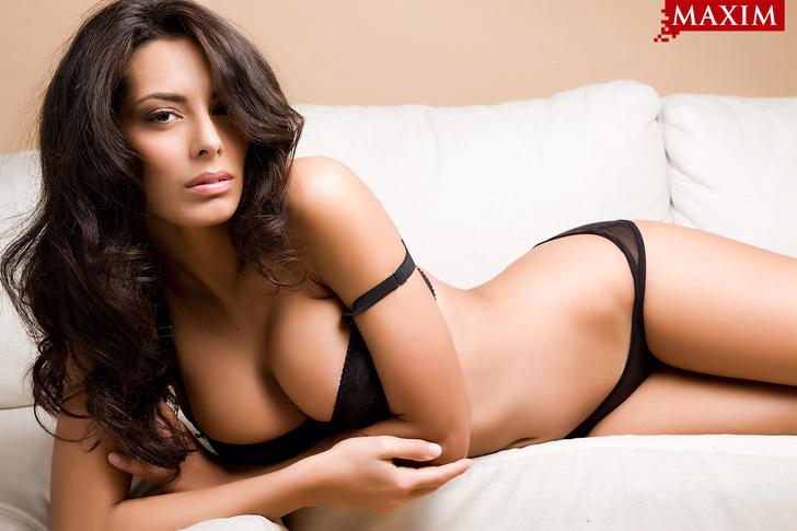 Фото №1 - Антипохмельная фотосессия №6. Итальянская модель Раффаэлла Модуньо: «Я занимаюсь сексом не для похудения, а только ради удовольствия!»