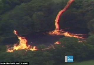 3,5 миллиона литров бурбона вылились в озеро! Затем туда ударила молния и подожгла его! И тут налетел торнадо!
