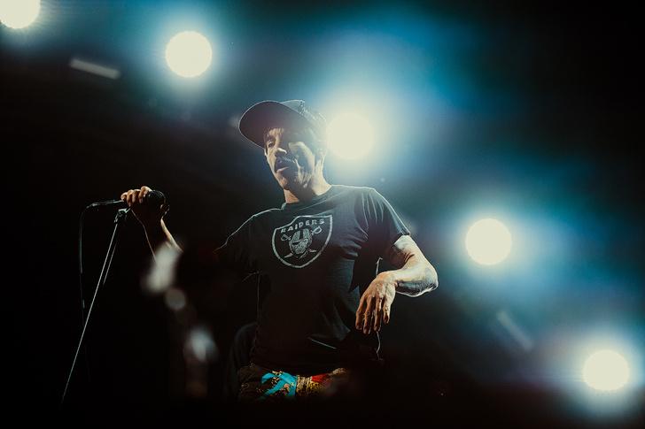 Фото №12 - Что творилось на недавних концертах Red Hot Chili Peppers, Ланы Дель Рей, «Сплина» и других рокеров
