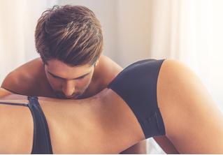 Как правильно трогать ее интимные зоны — результаты масштабного опроса