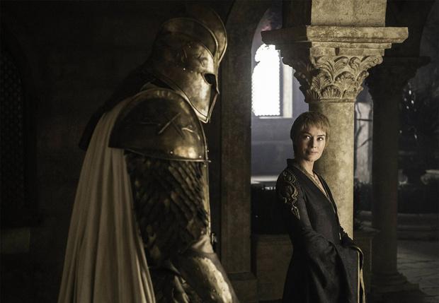 Фото №1 - Гора из «Игры престолов» встречается с девушкой вдвое меньше себя