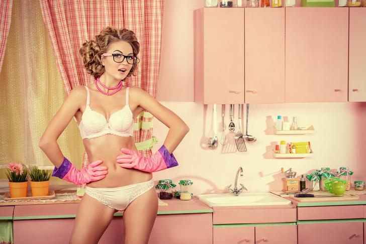 Фото №1 - Сервис по уборке дома обнаженными девушками существует!