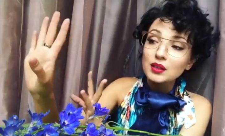 Фото №9 - Красивая и смешная! Питерская актриса Евгения Свиридова сразила нас веселыми видео и ямочками