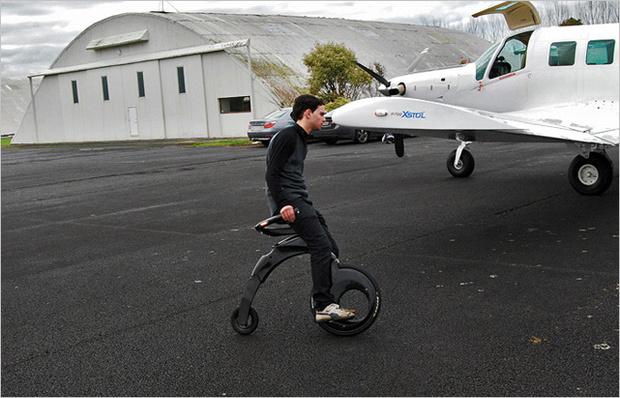 Фото №2 - Оседлай электричество! 4альтернативы велосипеду и скейтборду