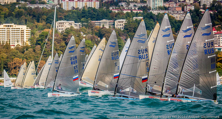 Фото №1 - Поднять паруса: в Сочи проходит чемпионат России в олимпийских классах яхт