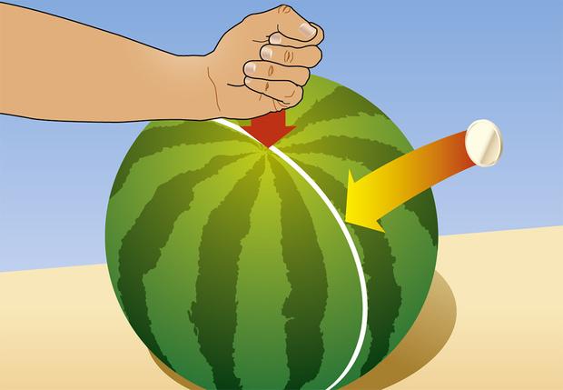 Фото №5 - 8 способов разрезать и съесть арбуз