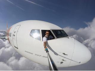 Пилот до смерти напугал пользователей «Инстаграма» поддельными селфи