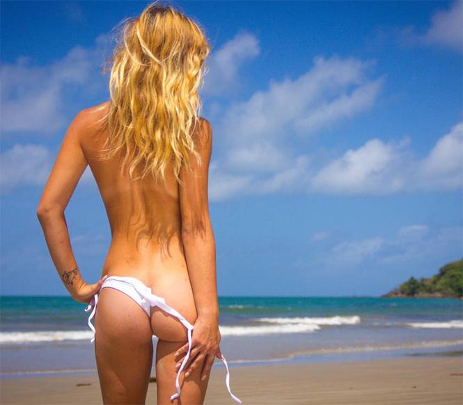 Девушка путешествует по Австралии голой, чтобы доказать, что женское тело не сексуально
