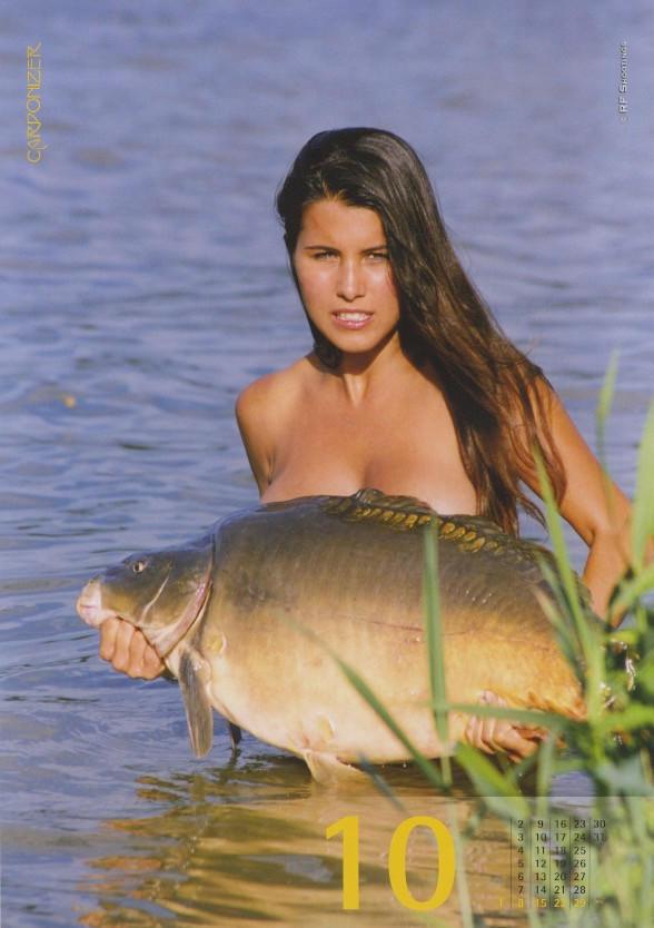 Фото №10 - Эротический календарь, который порадует рыбаков. И не только!