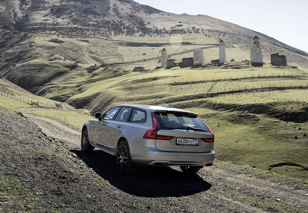 Фото №6 - Volvo V90 Cross Country: универсалы наносят ответный удар