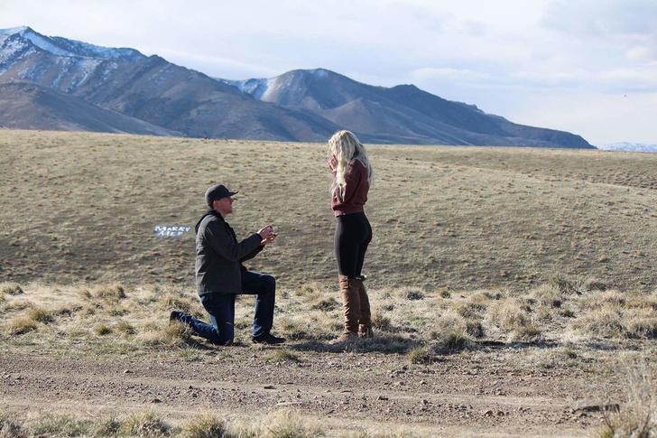 Фото №1 - Молодой человек решил сделать предложение возлюбленной, но тут появился ее отец