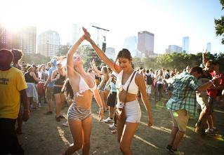 Главный музыкальный фестиваль лета Lollapalooza — в прямом эфире на MAXIM!