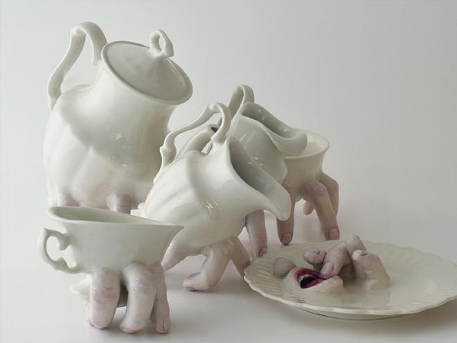 Фото №7 - Скульптор создает посуду, которая способна лишить аппетита. И сна!