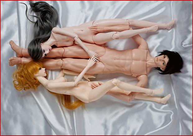 Фото №9 - Секс втроем: 9 лучших поз и 4 золотых правила