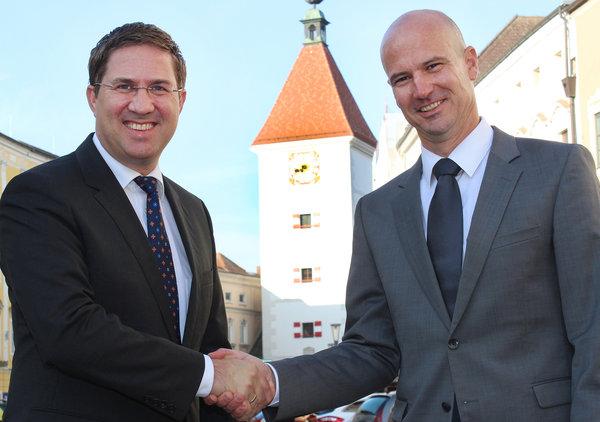 Фото №1 - Австрийский чиновник добился компенсации за то, что повысили не его, а женщину