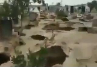 Жутковатое видео: на кладбище в Таиланде кто-то разрыл могилы и украл захороненных