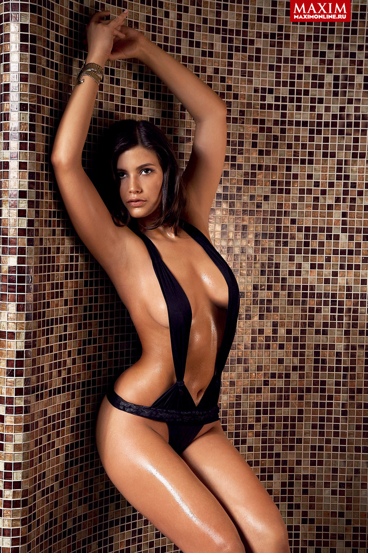 Фото №1 - Модель Мирта Рубин: «Конечно, кому-то проще чего-то добиться в голом виде»