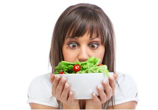 Посетительница крутого ресторана показала «худший в мире салат». Но поняла ли она задумку повара?
