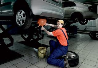 Работники автосервисов рассказывают о 30 способах отъема денег у автовладельцев
