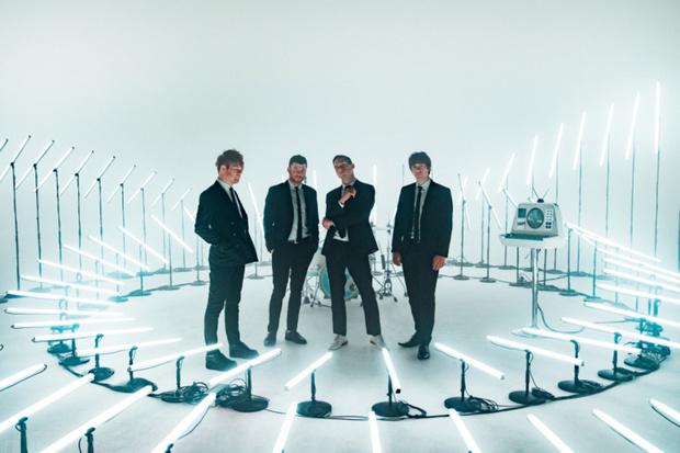 Фото №1 - Enter Shikari выпустили клип на песню «Stop the clocks»