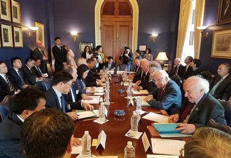 Одно интересное фото: кое-что про Китай и США