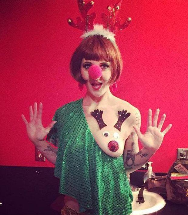 Фото №4 - Флешмоб «Новогодняя грудь»  — лучший подарок к праздникам!
