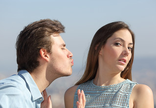 8 мужских поступков, от которых девушек передергивает