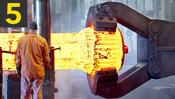 Фото №1 - Успокаивающая работа фабричных роботов (видео для медитации)