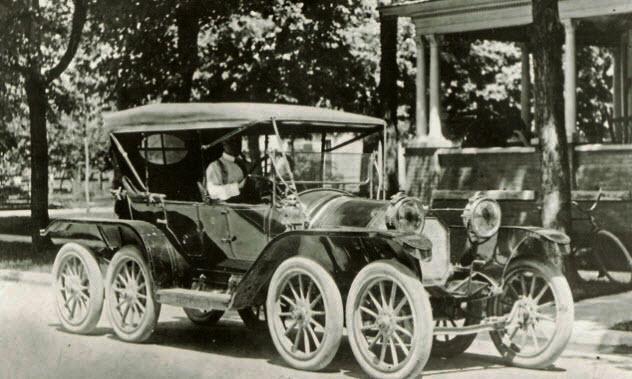 Фото №1 - 10 самых безумных автомобилей XX века