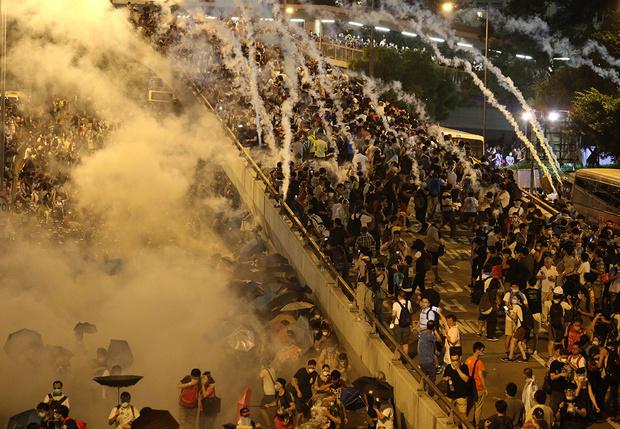 Фото №8 - Толпой и еще толпее: рассказ о том, почему люди, собравшиеся большими группами, начинают вести себя странно