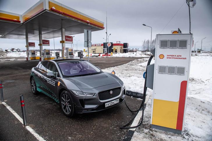 Фото №8 - Электричкой из Москвы до Питера на чистой энергии Jaguar I-Pace