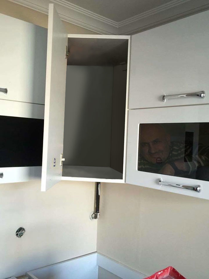 Фото №6 - В Сети набирает популярность флешмоб «Надежный шкафчик на одного»
