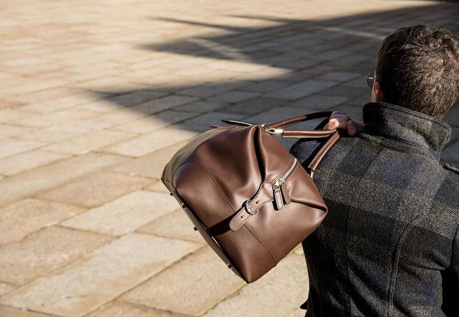 Знакомься: стильная, кожаная, дорогая по виду, но не по цене итальянская сумка Aequa. Но главное ее преимущество: она кастомизируемая!