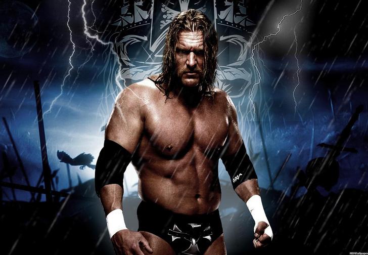 Фото №1 - Звезда реслинга WWE Пол «Triple H» Левек подарил чемпионский пояс киберспортсменам