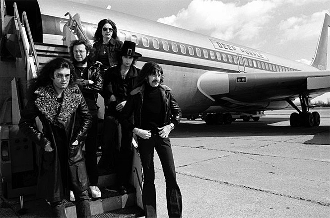 Фото №28 - 25 самолетов и автобусов рок-звезд