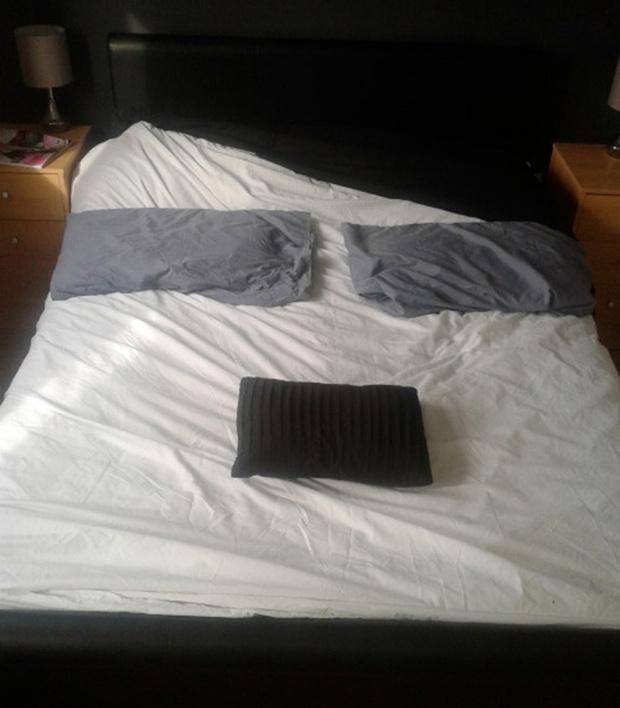 Кровать, похожая на Гитлера