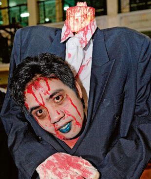 Фото №1 - Как посеять страх и ужас среди участников хэллоуинской вечеринки