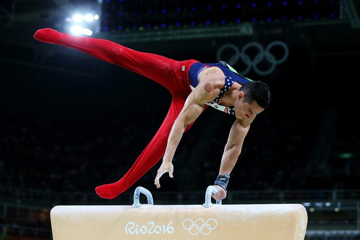 Фото №1 - Следы от медицинских банок на спортсменах озадачили западный мир!