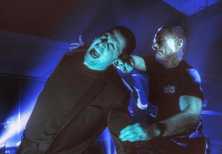 Фото №1 - Жан Клод Ван Дамм мочит бандитов в подвале: отрывок из нового фильма «Лукас»