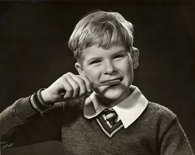 Зубы надо чистить минимум 2 минуты