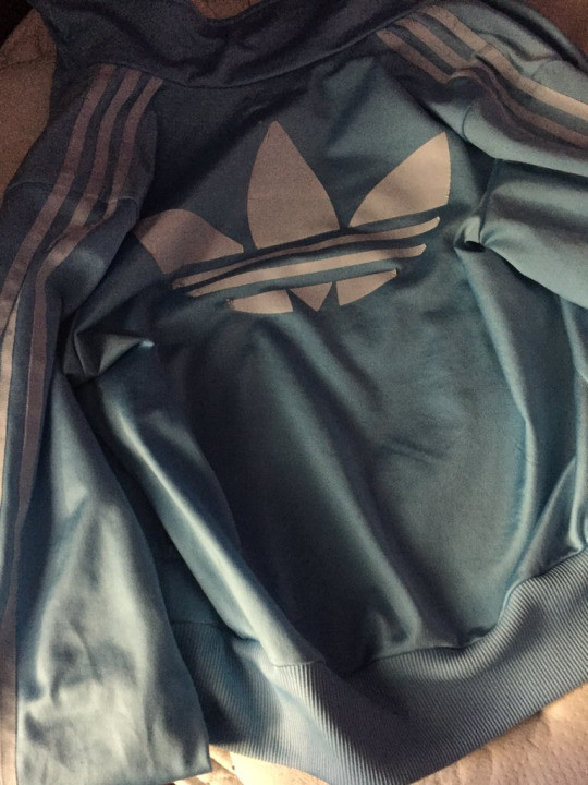 Какого цвета олимпийка от спортивного костюма