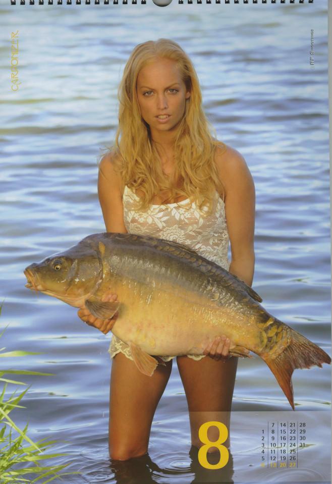 Фото №8 - Эротический календарь, который порадует рыбаков. И не только!