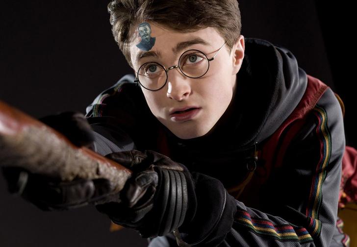 Фото №1 - В «Твиттере» выяснили, что шрам Гарри Поттера на самом деле не молния