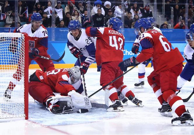 катится мир корейцы едва победили чехов хоккей