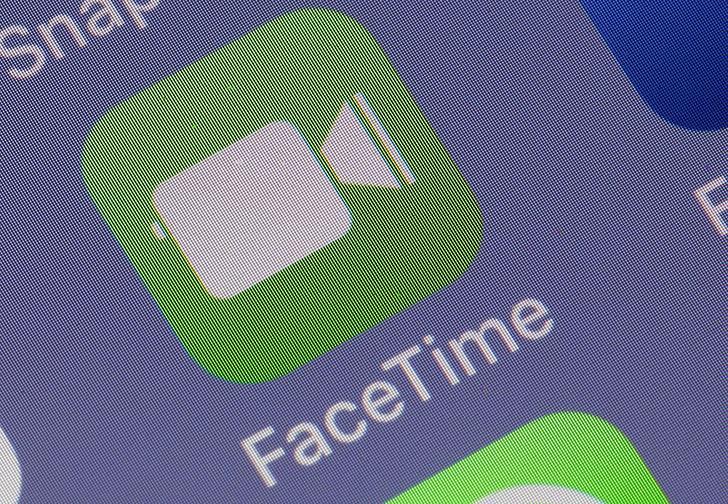 Фото №1 - В Apple FaceTime обнаружена ошибка, позволяющая подслушивать чужие разговоры